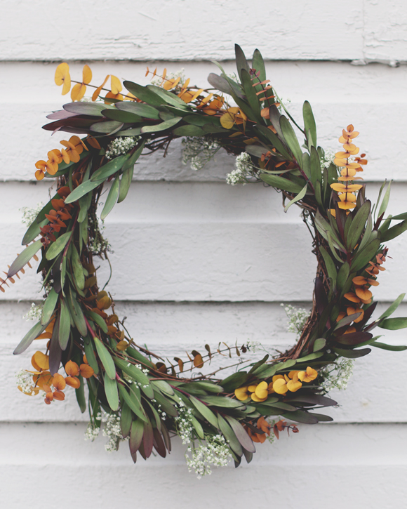 Nature inspired holiday decor lawn pride diy beautiful outdoor holiday wreath craft decor solutioingenieria Choice Image